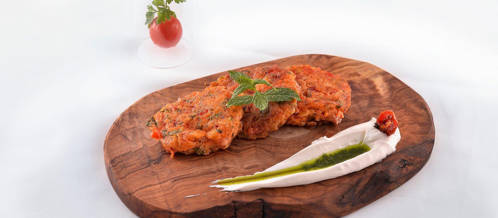 Tomato patties-Ντοματοκεφτέδες